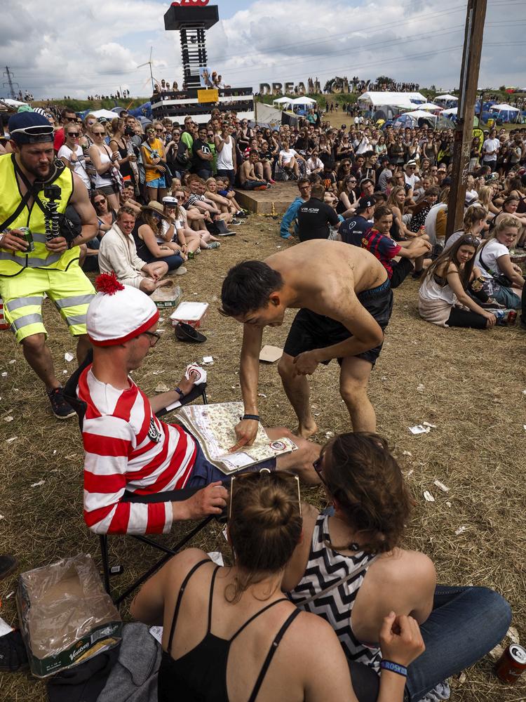 RapSpot.dk » Roskilde 015: Linselus fra Molotov Movement-mandag (med nøgenhed)